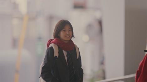 17歳の新人女優・小野莉奈が主演する、LINEの動画シリーズ『LINE みんなのものがたり』の「【告白ムービー】好きなんて、言えるわけない。」より。