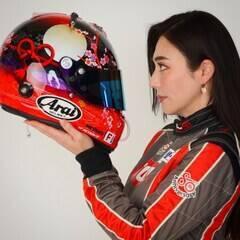 プロレーシングドライバー、モデルとして国内外で活躍中の塚本奈々美。